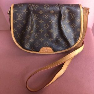 Louis Vuitton should bag and cross body